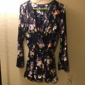 Honey Punch floral romper size small